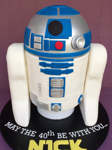 3D sculpted R2D2 cake