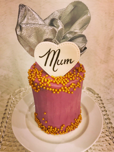 Tall mini-cake with Gold lustre pearls and Shimmer Ribbon decoration