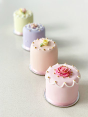 Mother's Day Mini Cakes by Roseberry Cake Creations
