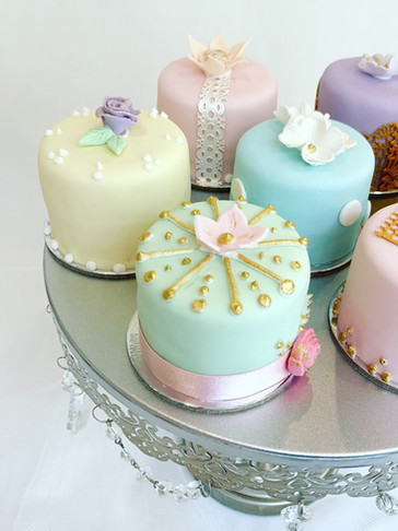 Cute and Sweet Mini Cakes by Roseberry Cake Creations