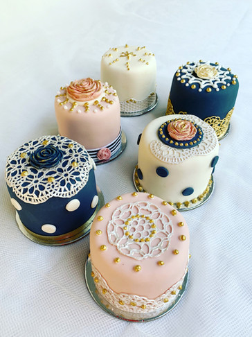 Lace Mini Cakes by Roseberry Cake Creations