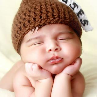 Newborn Hershey Kiss Froggy