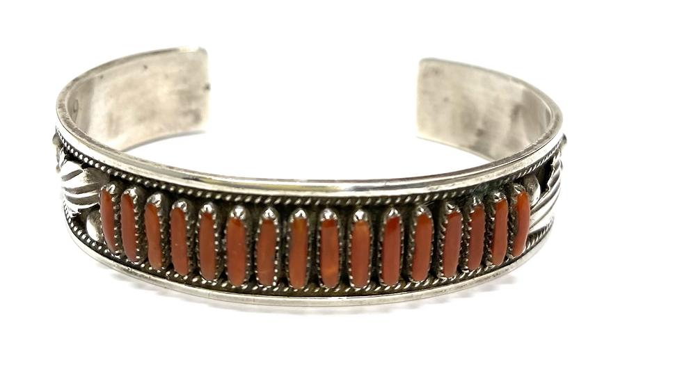 16 coral stone bracelet