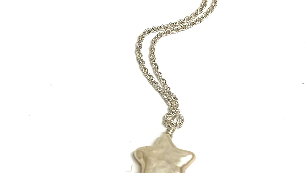 Pearl star pendant 18 inches