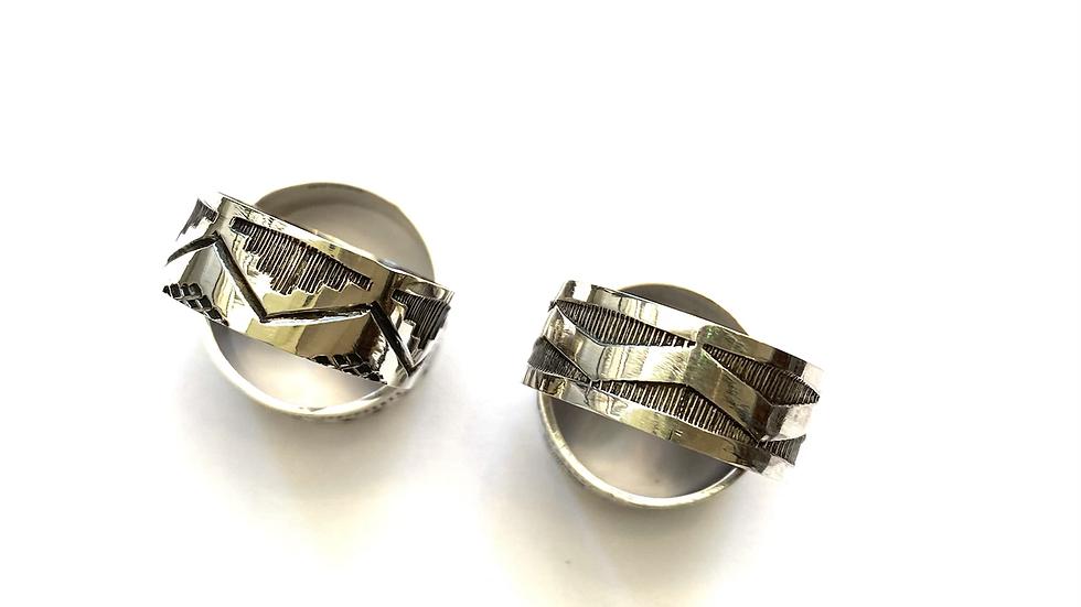 Stamped band ring