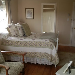 Guest Room Upper Class Vacation