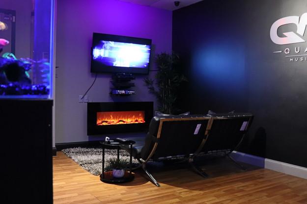 QMG Lounge