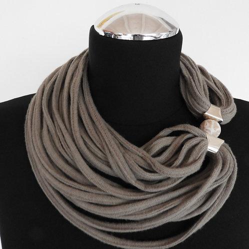 Collana di stoffa beige scuro 7