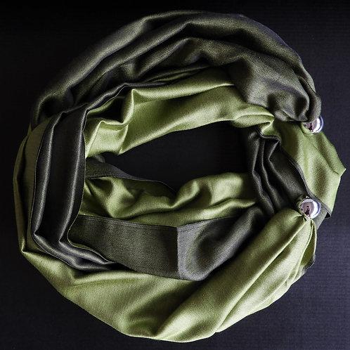 Collana di seta Verde oliva chiaro-scuro