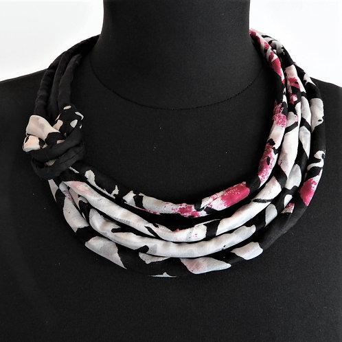 Collana di seta Pauline nero/bianco/fuchsia  51cm