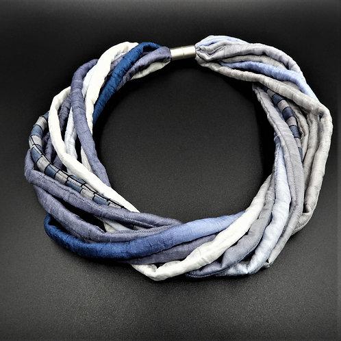 Seidenschnurkette jeans/weiss 57cm