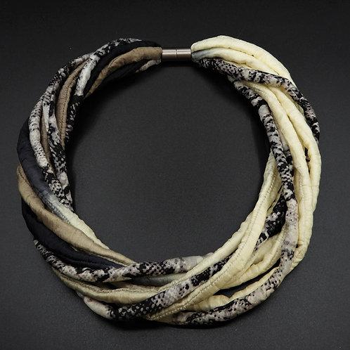 Seidenschnurkette beige/schwarz 58cm