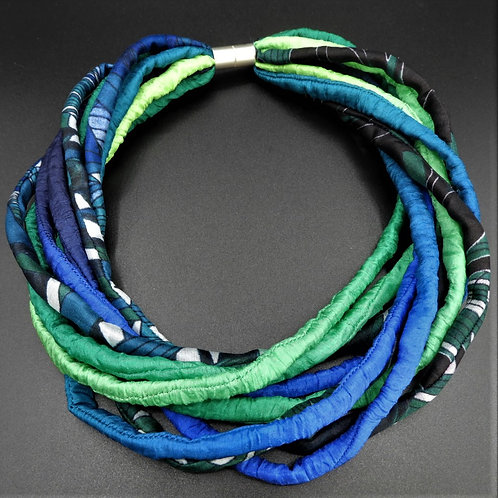 Seidenschnurkette blau/grün  57cm