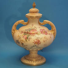 Blush Vase & Cover