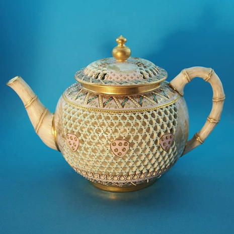 Worcester Reticulated Teapot Attributed to G. Owen