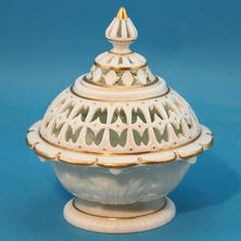 Reticulated Pot Pourri & cover