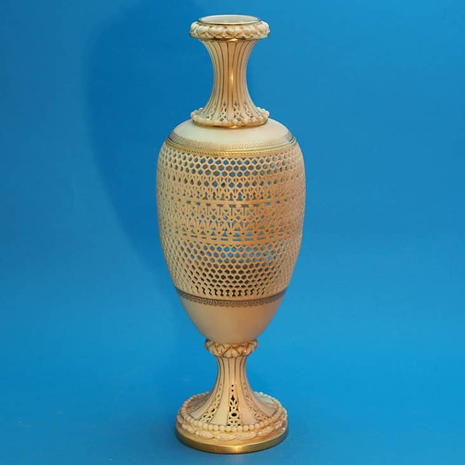 Worcester Blush Reticulated Vase Attributed to G. Owen