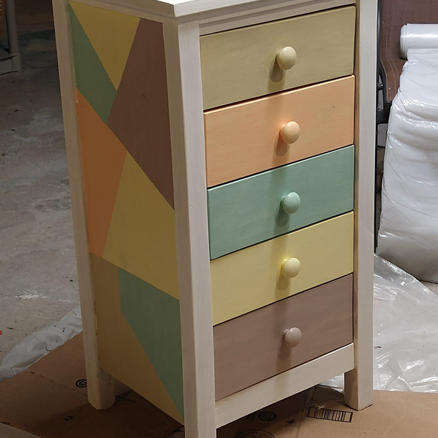Five drawer Chest of Drawers
