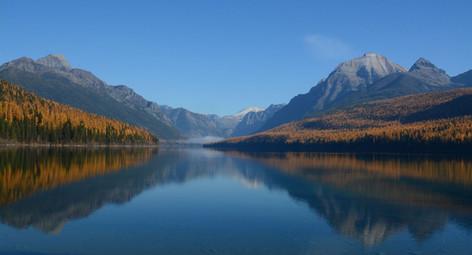 Autumn at Bowman Lake