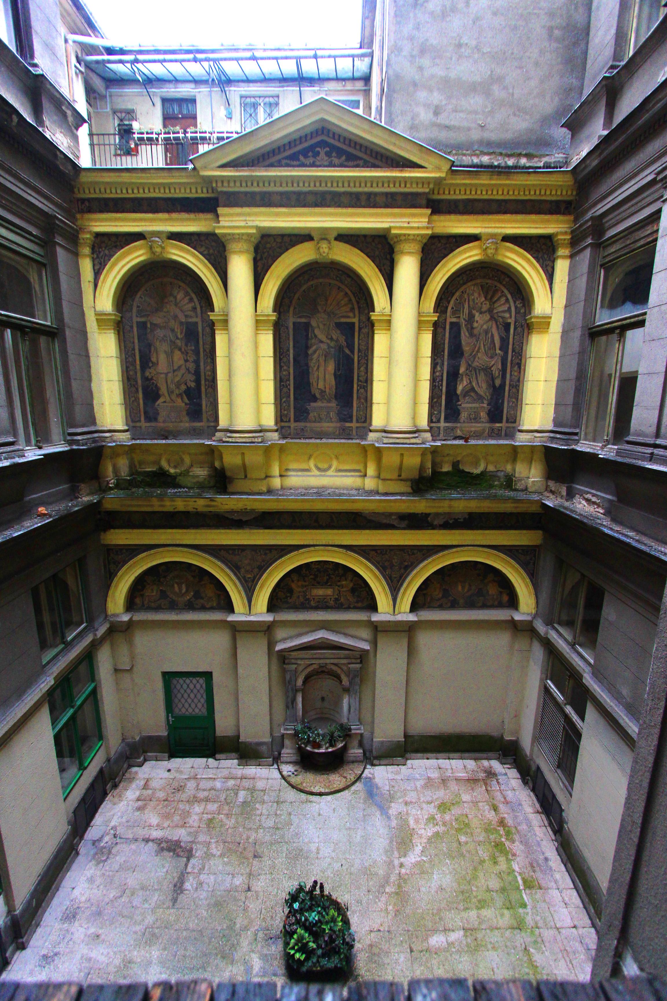 Ybl Miklós tervezte Múzeum krt-i ház
