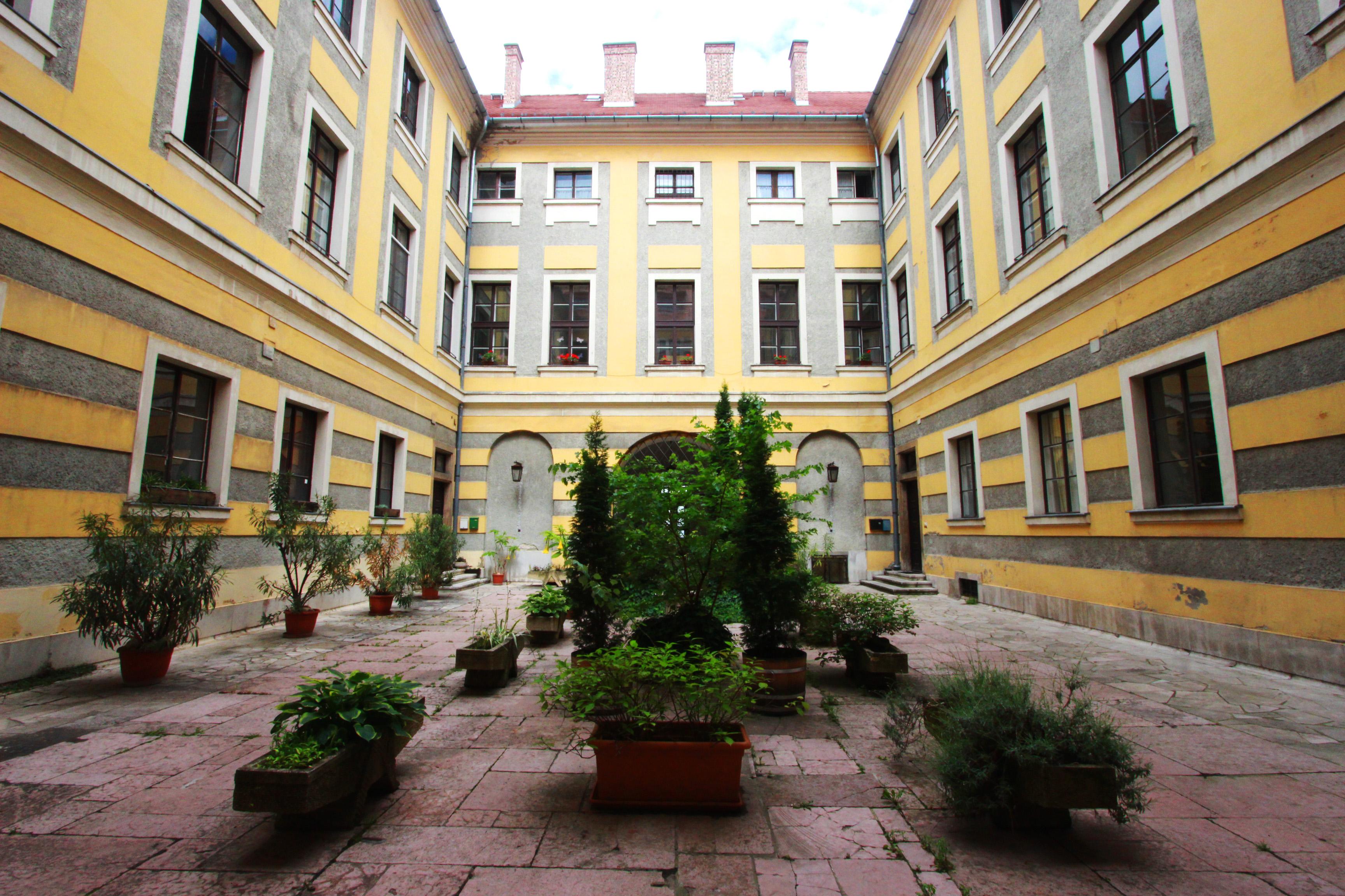 Budai várnegyed, Batthyany palota