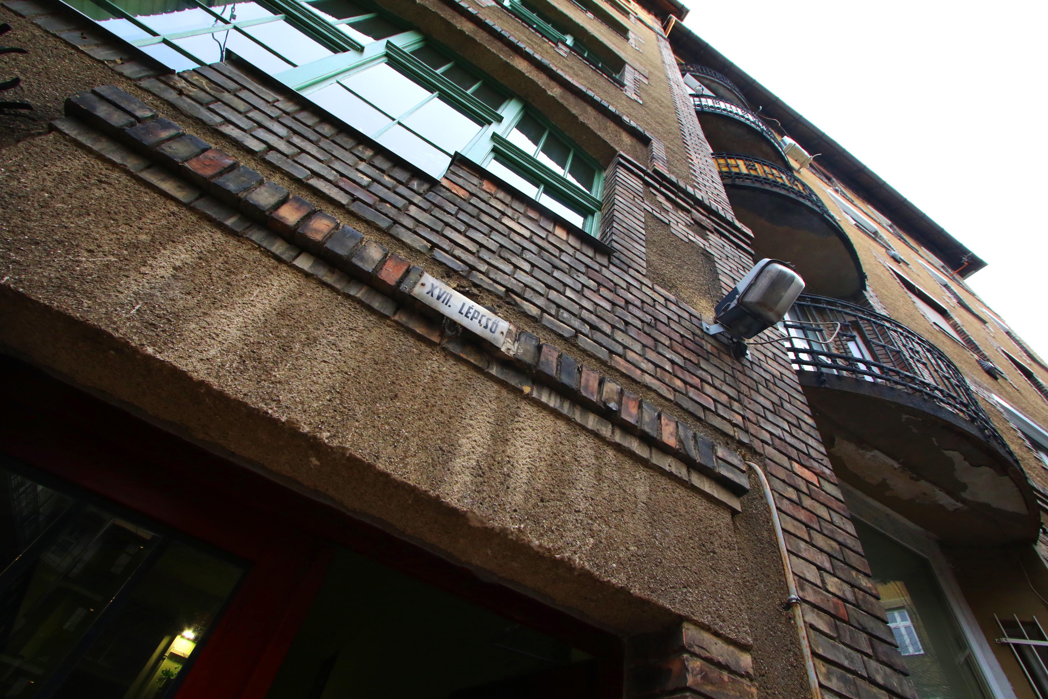 Ganz-MÁVAG kolónia, XVII. lépcsőház (XIII. számú lépcsőház babonából nincs).