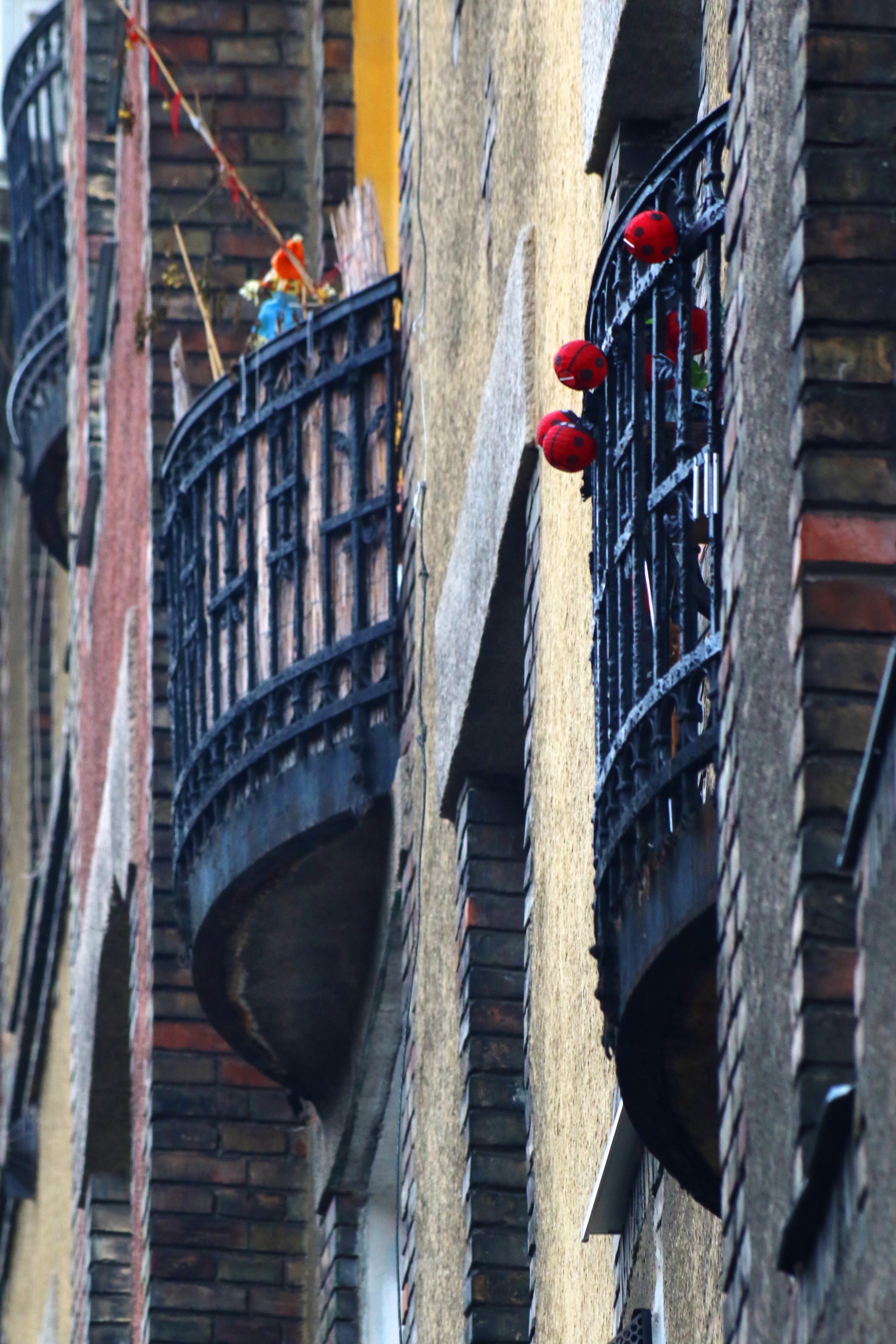 Ganz-MÁVAG kolónia, félköríves erkélyekkel
