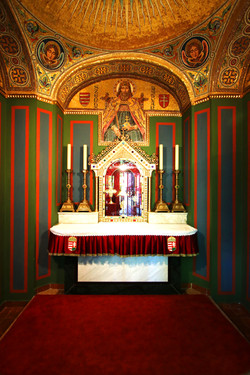 Budavári királyi palota Szent Jobb kápolnája Balatonalmádiba került