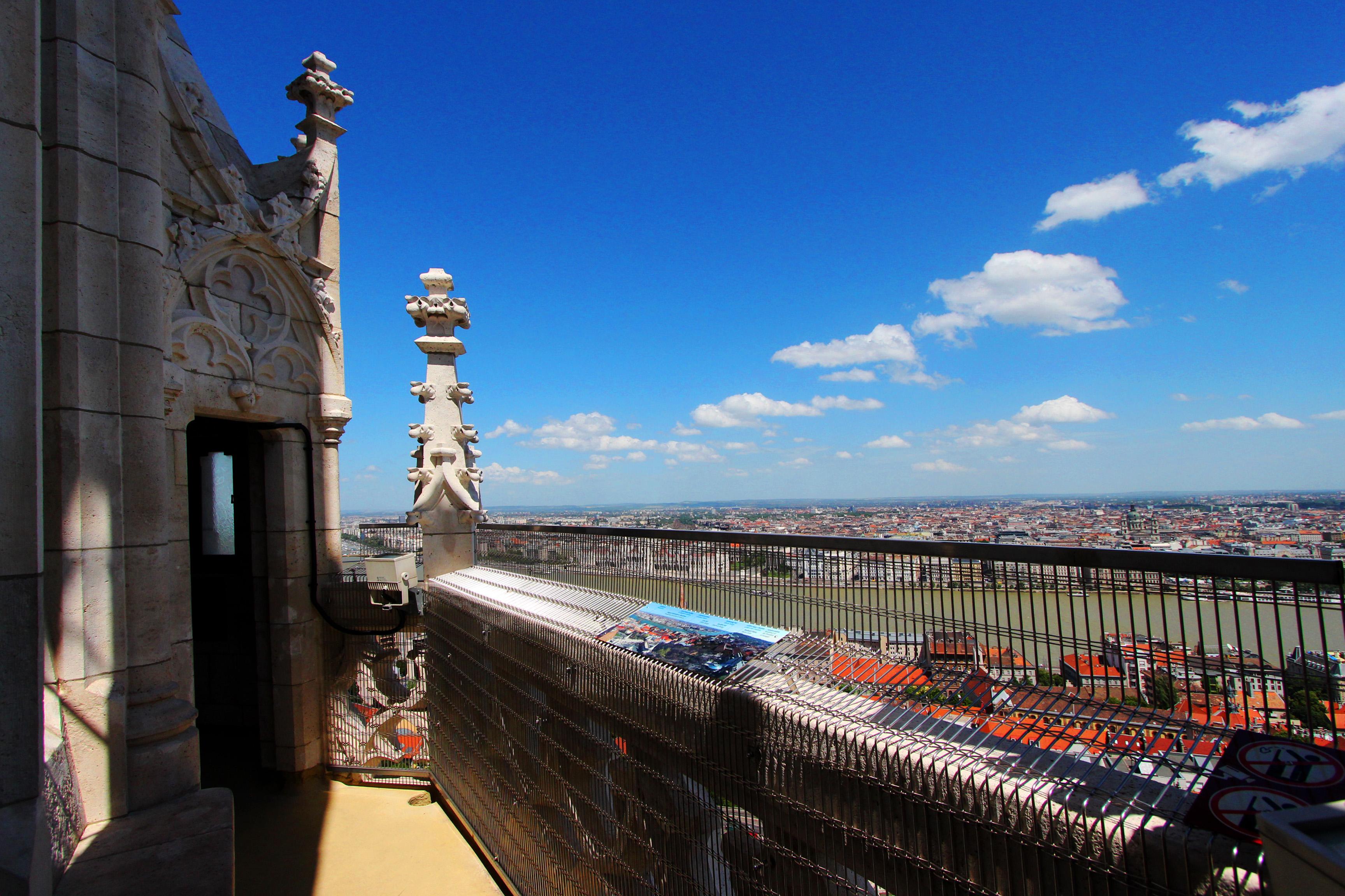 Kilátás a Mátyás-templomból