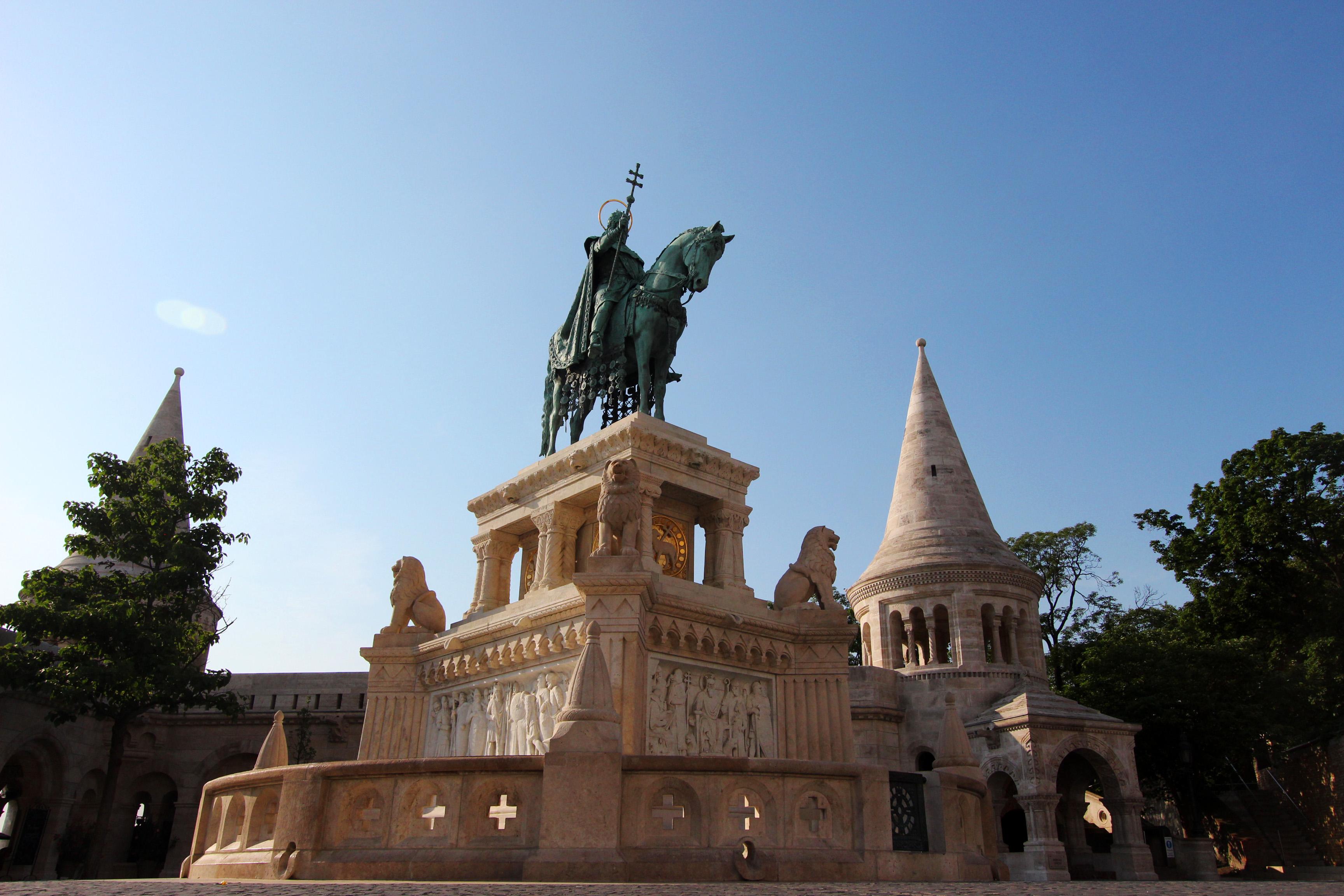 Szent István szobor a Budai Várban