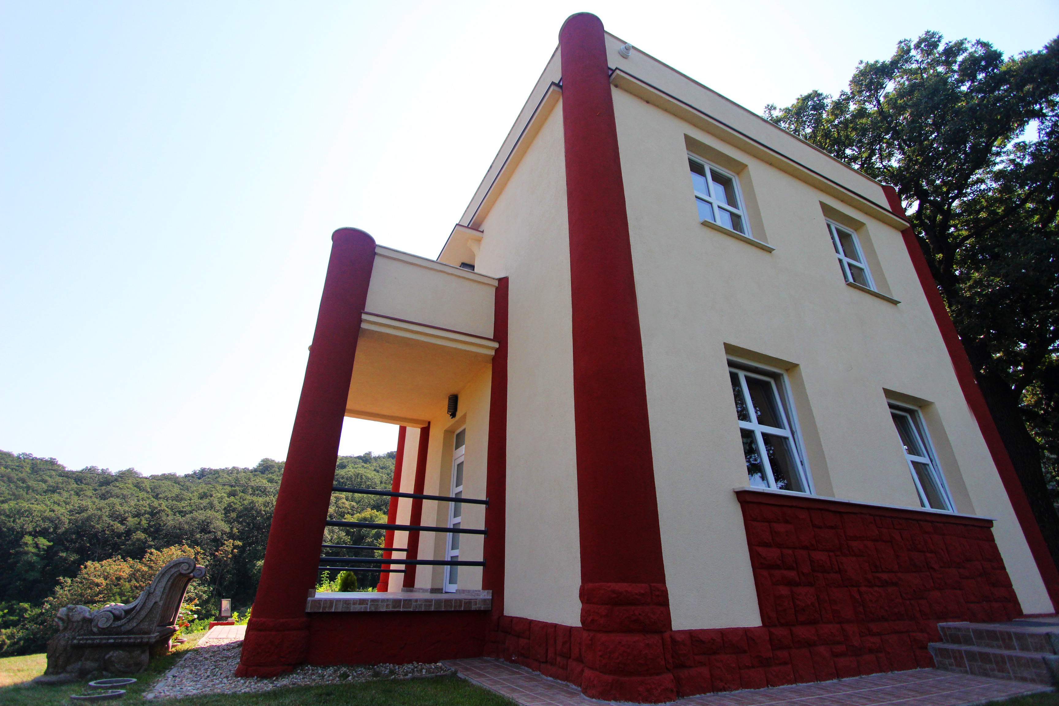 Fonyód, Kripta villa