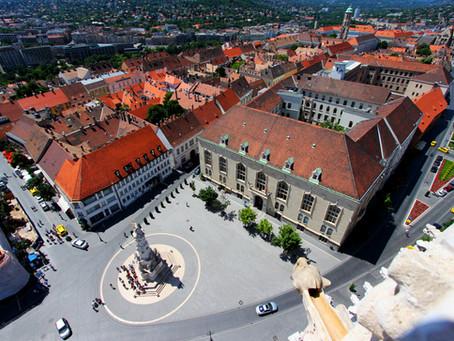 Mennél, de nem messzire..? Hát, budapestiek, most mutatunk pár épített örökséggel, és pár természett