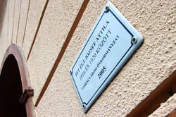 Itt, a Ferenc tér 11-ben is lakott József Attila
