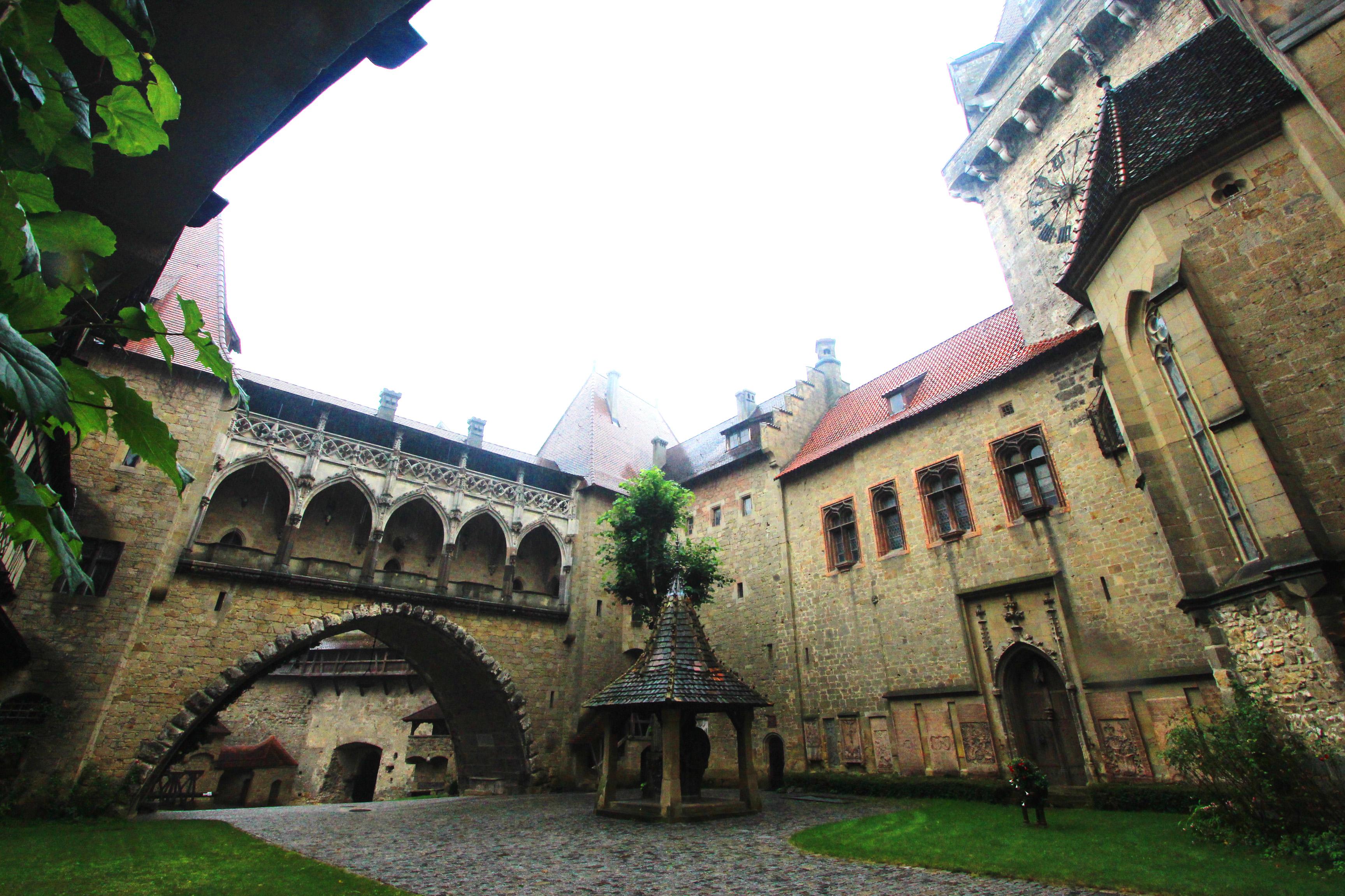 Kreuzenstein vára