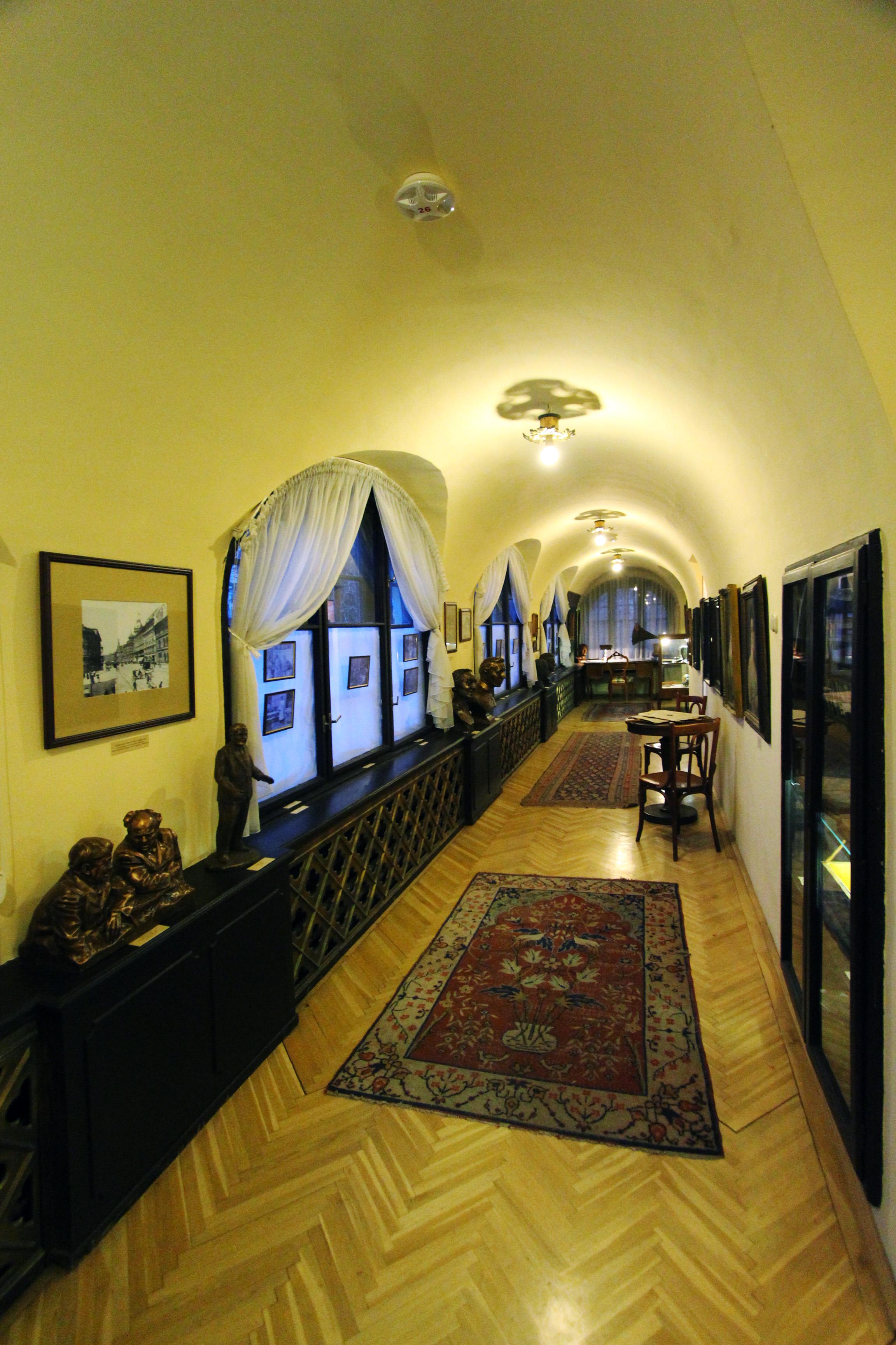 Bajor Gizi háza belülről