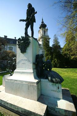 Festetics György szobra