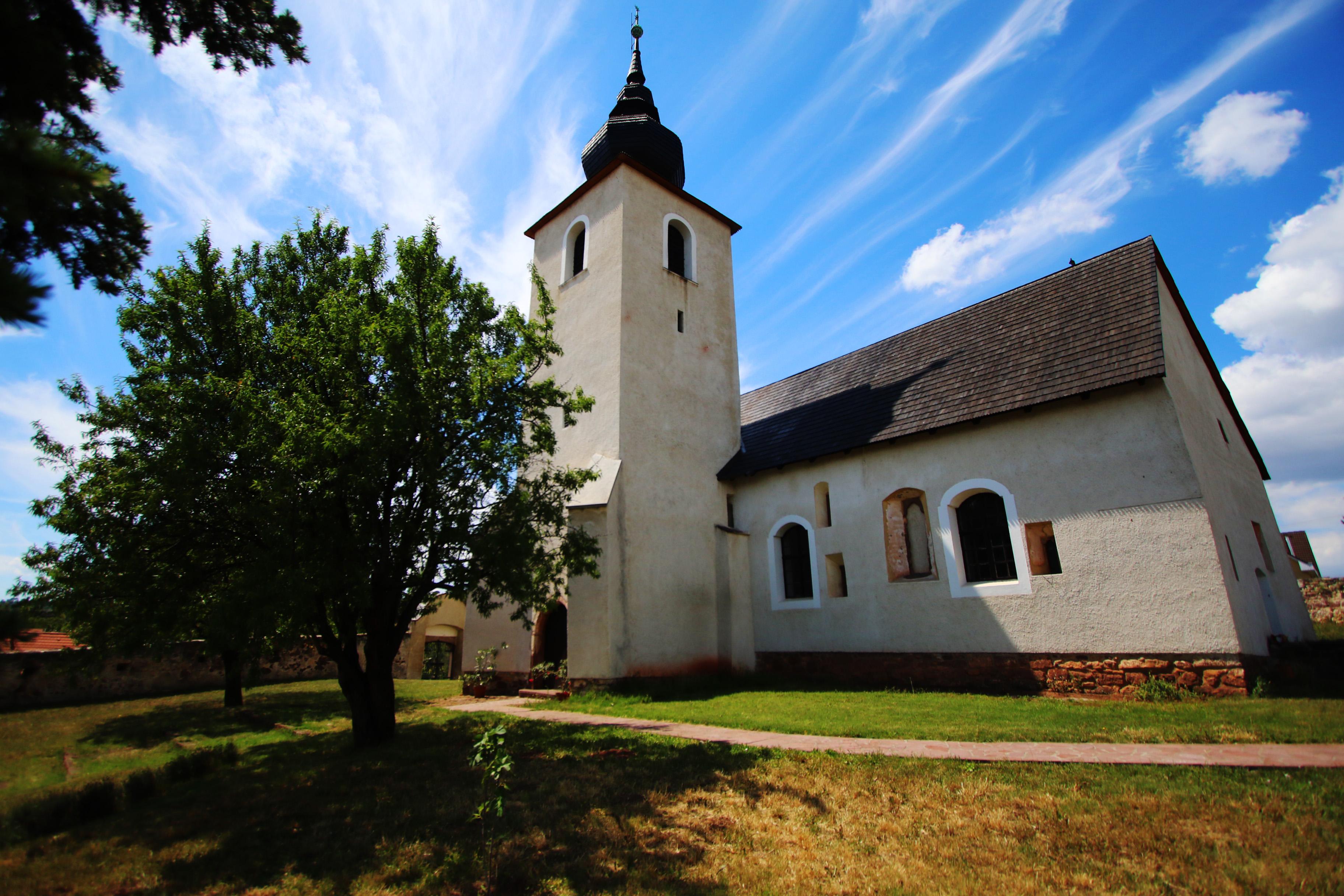 Balatonalmádi református erődtemploma