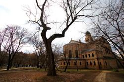 A régi Vásártér ahol a gyermek József Attila elveszett, és a  ferencvárosi Páli Szent Vince templom,