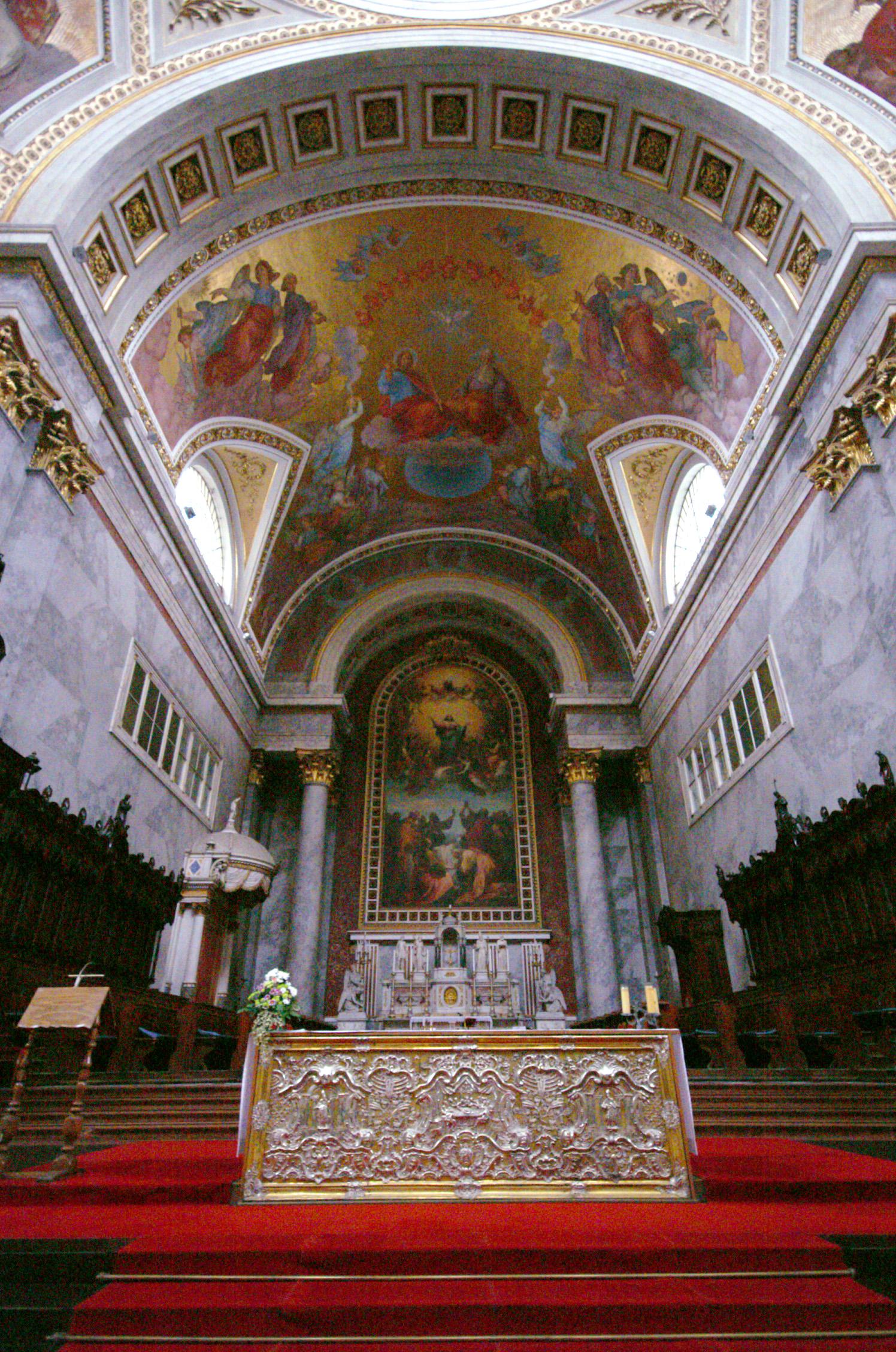 Esztergomi Bazilika kívülről,belüről
