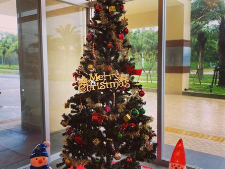 リエッタ中山のロビーやラウンジにもクリスマスツリーが飾られました。サンタさんも大忙しのシーズンですね。南国の沖縄も12月を感じます。家族みんなで宿泊できるホテルで年末年始を迎えるのもおすすめです。