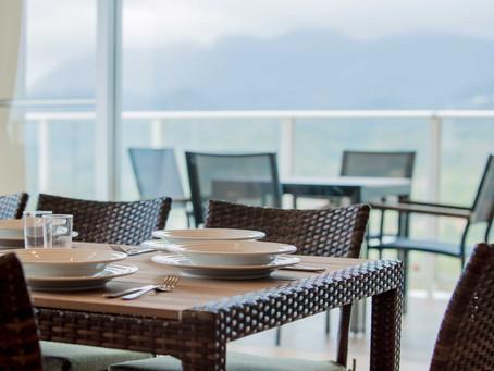 リエッタ中山は広々お部屋やベランダのホテルです。沖縄名護の豊かな自然を眺めながら朝食やティータイムなど心も体も癒されますね。カップルからご家族・グループまで幅広くご利用できます。料金は一室単価です。