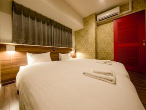 コンドミニアムホテル名護リゾートリエッタ中山には沖縄フルーツランドとコラボした特別なお部屋がございます。面白い仕掛けにきっと笑顔が溢れるはずです。広いお部屋なので連泊などのご宿泊がオススメです。