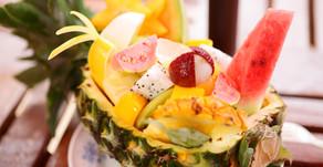沖縄フルーツランドで大人気のスイーツ「フルーツボード」連日夏を感じさせる天気になってきました。初夏の名護も良い感じです。テーマパークのトロピカル王国物語を冒険の後はぜひ新鮮なビタミンで元気になろう。