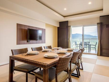 Bタイプのお部屋は8人まで宿泊できます。ゆったり2人から8人まで楽しく過ごせます。料金は一室単価。皆で泊まるとお安くなります。海まで10分、美ら海水族館まで25分と名護の町と自然に囲まれた宿泊施設です