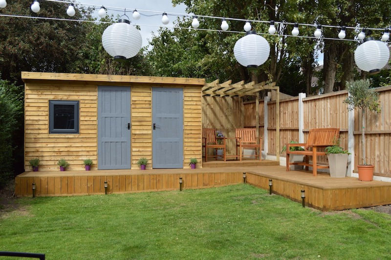 Summer Room & Shed with Pergola & Deck
