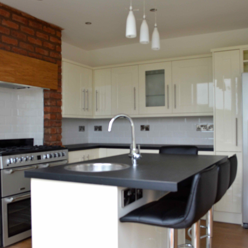 Bespoke High Gloss Shaker Style Kitchen - Part of a Kitchen-Diner Transformation.