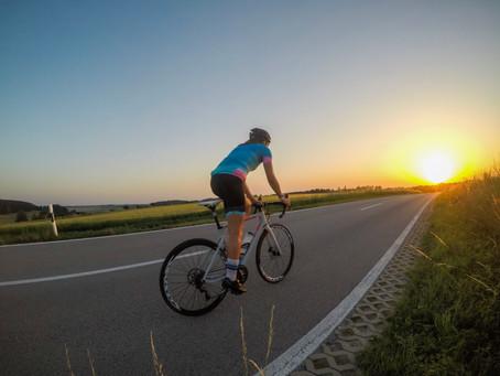 Frauen auf dem Rennrad