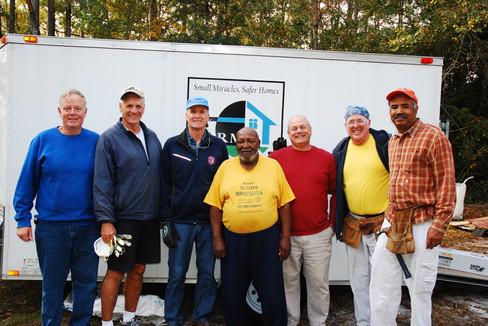Volunteers with Vetern Homeowner