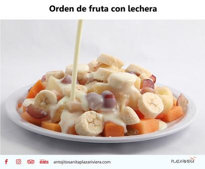 Orden de fruta con lechera