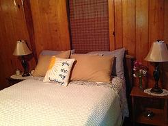 Hummingbird Haven Cabin Bedroom
